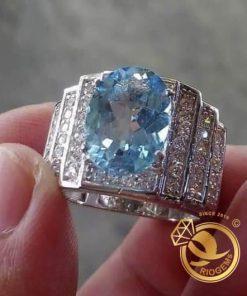 Nhẫn được làm từ chất liệu kim cương nhân tạo
