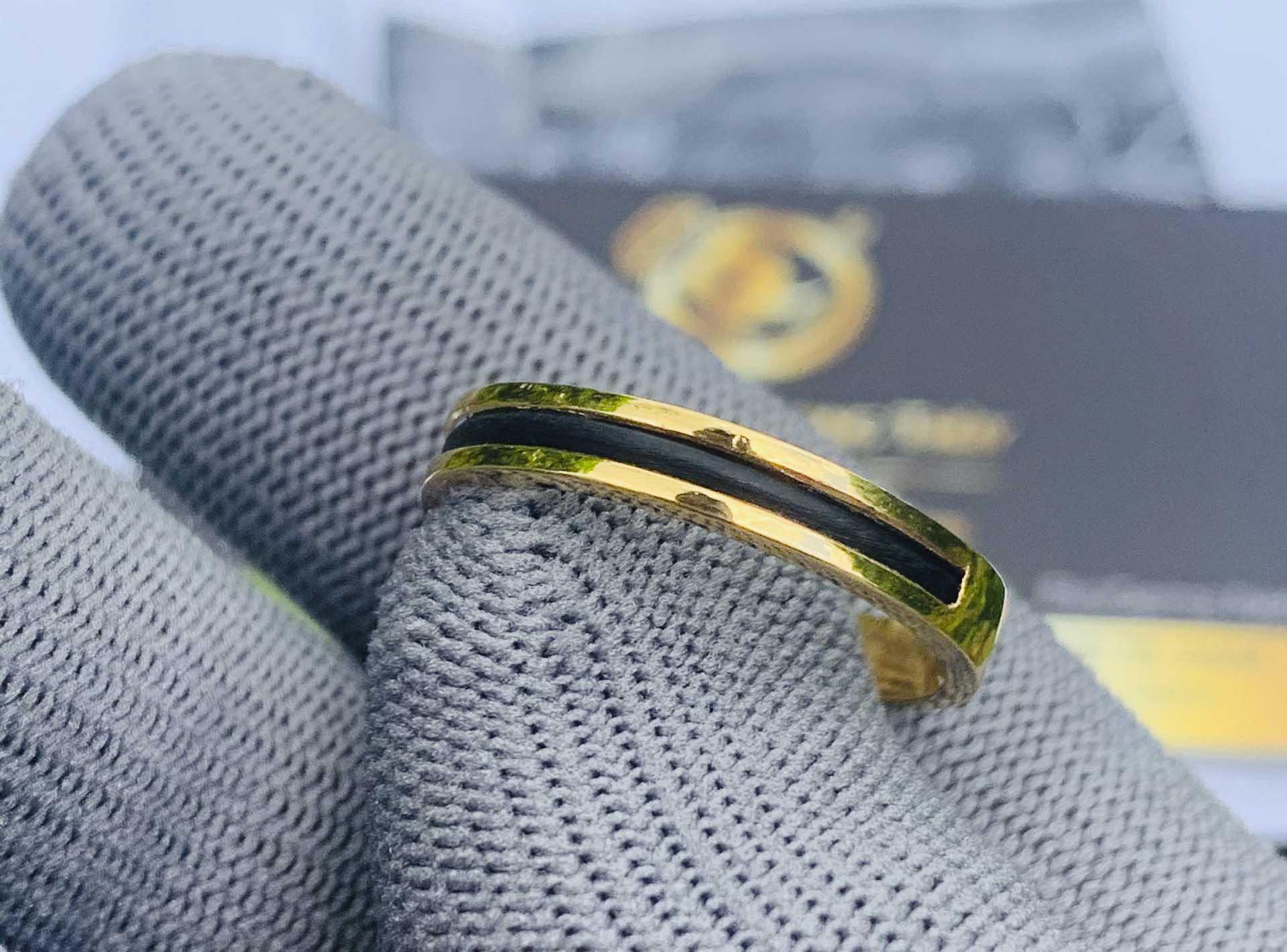 Nhẫn nữ vàng đeo ngón trỏ luồng 1 sợi lông voi gia công tại Riogems