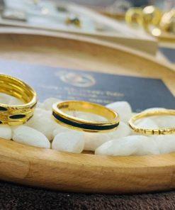 Nhẫn nữ vàng đeo ngón trỏ luồng 1 sợi lông voi dành cho các chị em