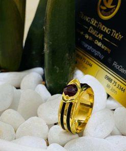 Nhẫn thỏi vàng mặt đá Garnet luồng 2 sợi lông voi thiết kế đơn giản