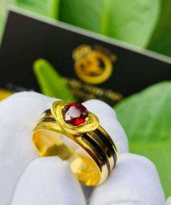 Nhẫn thỏi vàng mặt đá Garnet luồng 2 sợi lông voi gia công chi tiết