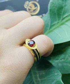 Nhẫn thỏi vàng mặt đá Garnet luồng 2 sợi lông voi dành cho nữ