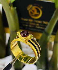 Nhẫn thỏi vàng mặt đá Garnet luồng 2 sợi lông voi