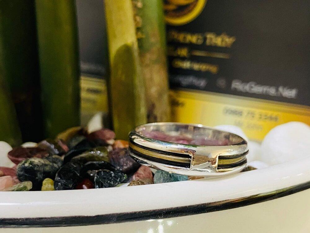 Nhẫn vàng Trắng 18K luồng lông trắng & đen Thái Lan (lông khách đưa gia công) chất