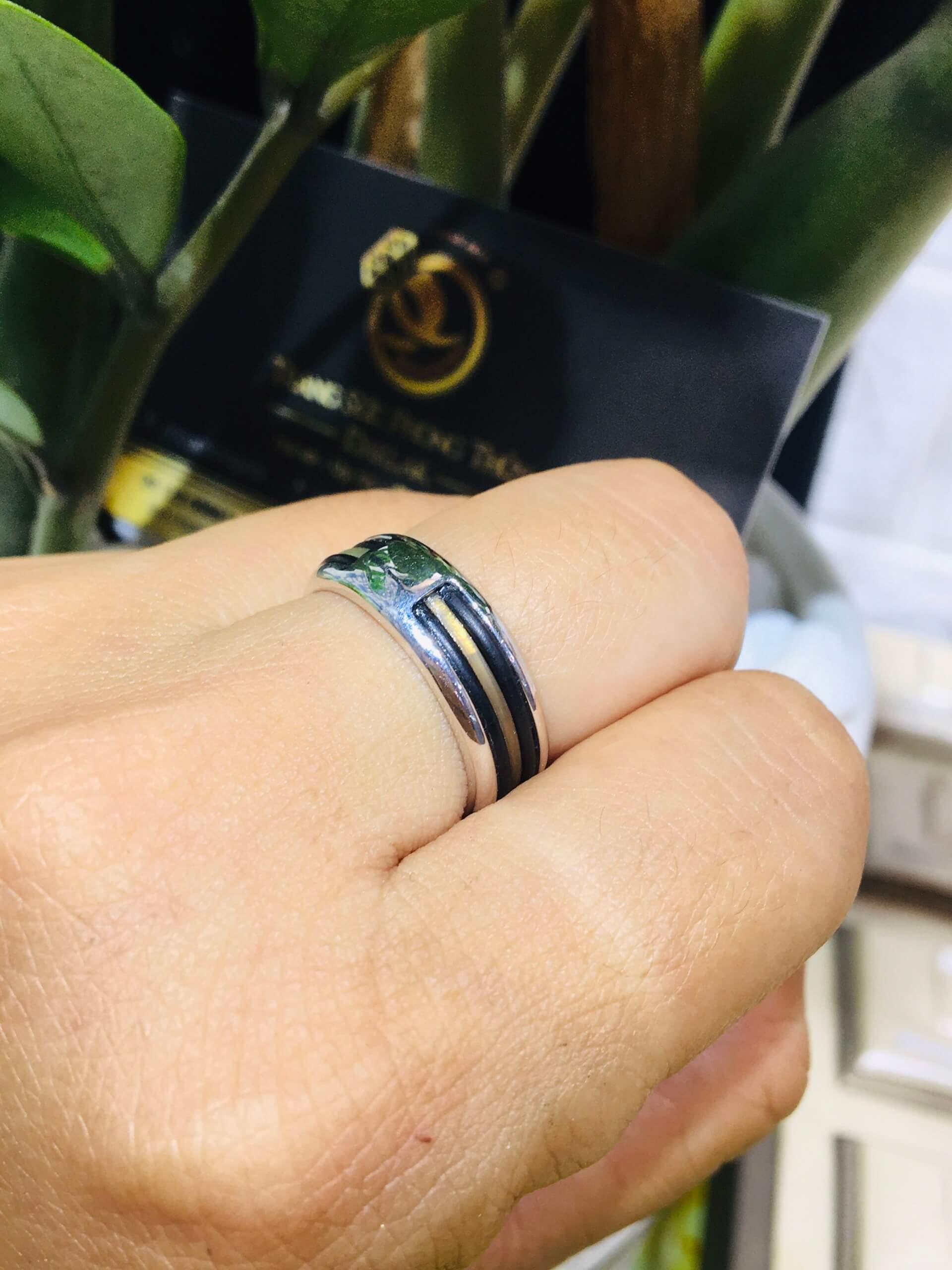 Nhẫn vàng Trắng luồng lông voi trắng – đen Thái Lan thiết kế đơn giản