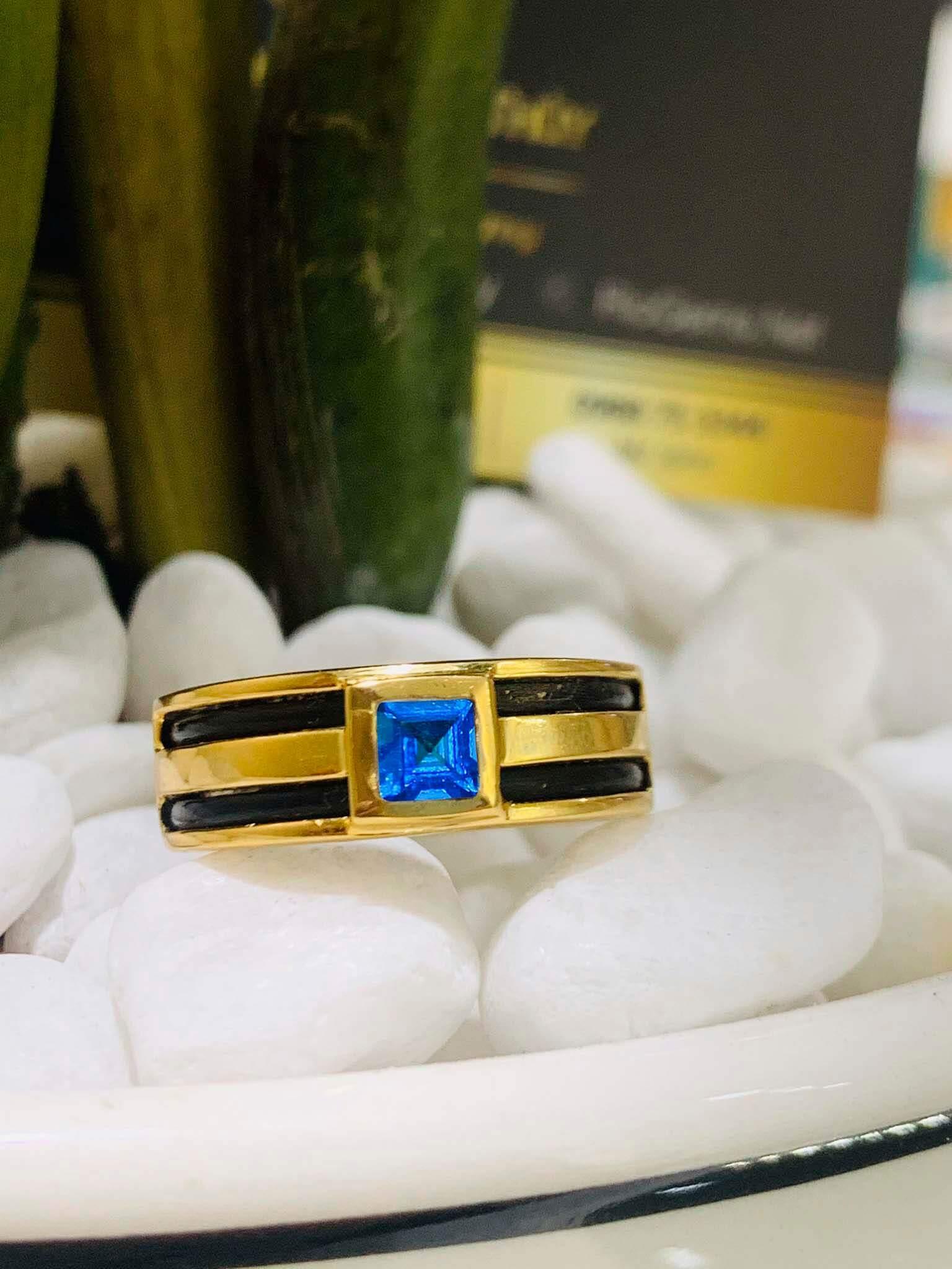mua Nhẫn vàng nam mặt đá Topaz vuông xanh dương luồng 2 lông voi