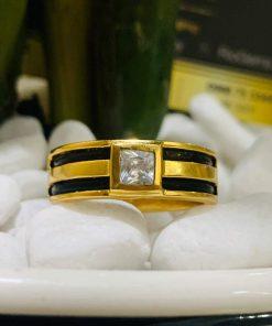 Nhẫn vàng nam mặt đá vuông trắng đính lông
