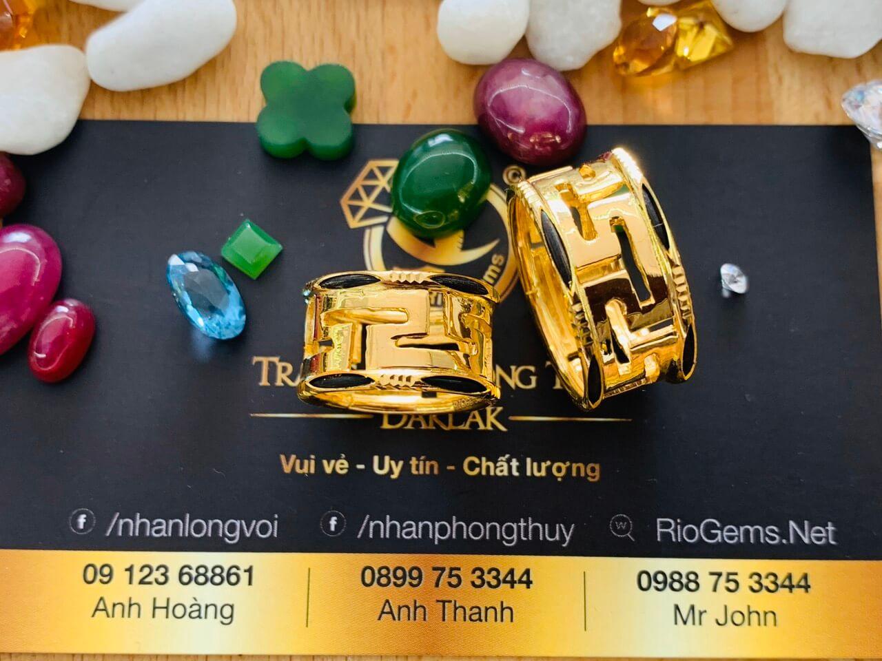 cap nhan chu van phong thuy duc vang luong long voi cho nam