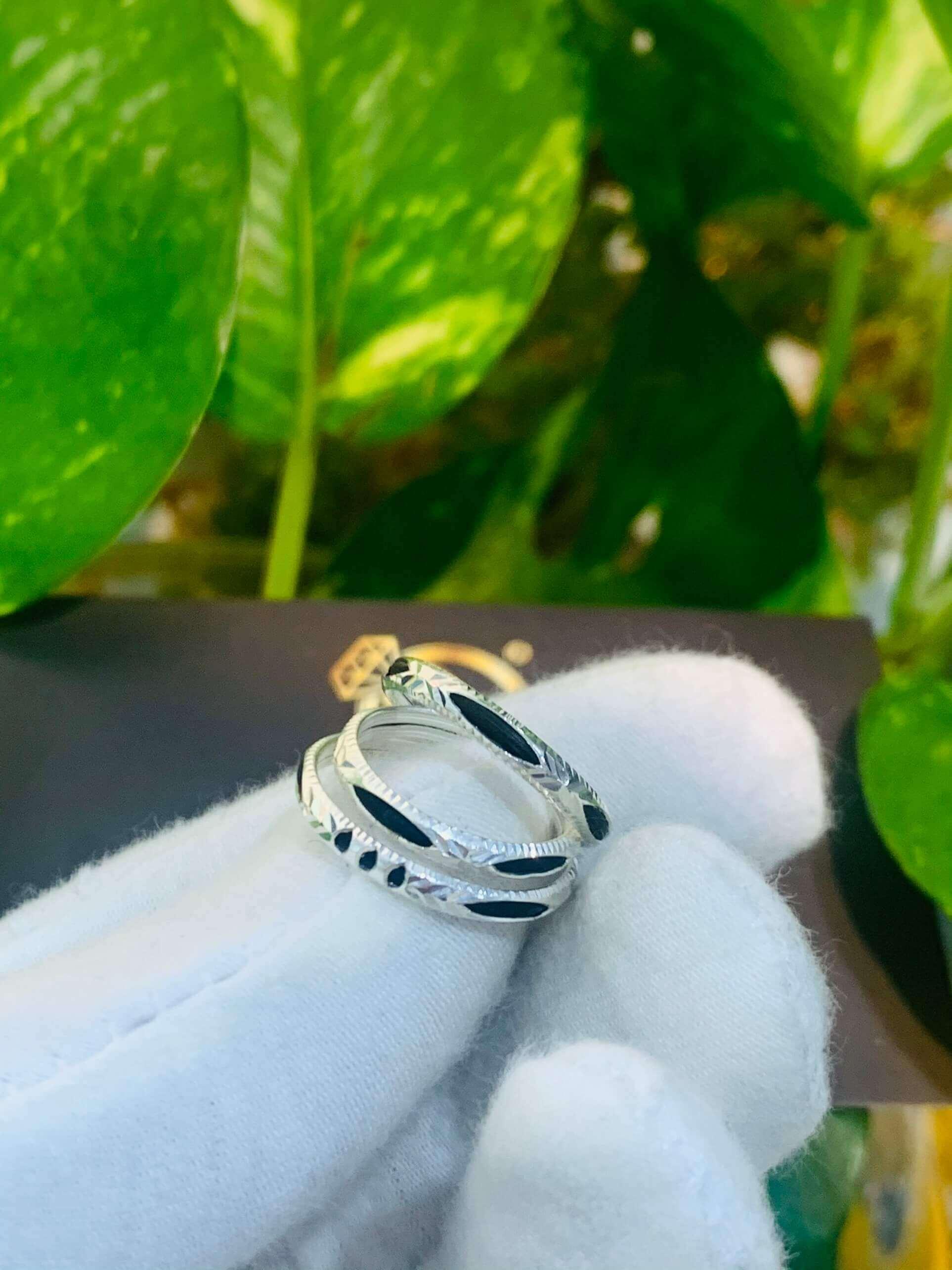 Nhẫn lông voi bạc 1 sợi được gia công tại RIOGEMs