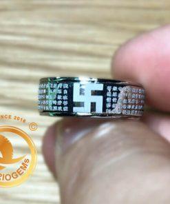 Nhẫn Bát Nhã Tâm Kinh vàng trắng bảng 8li được gia công tỉ mẩn tại RIOGEMs