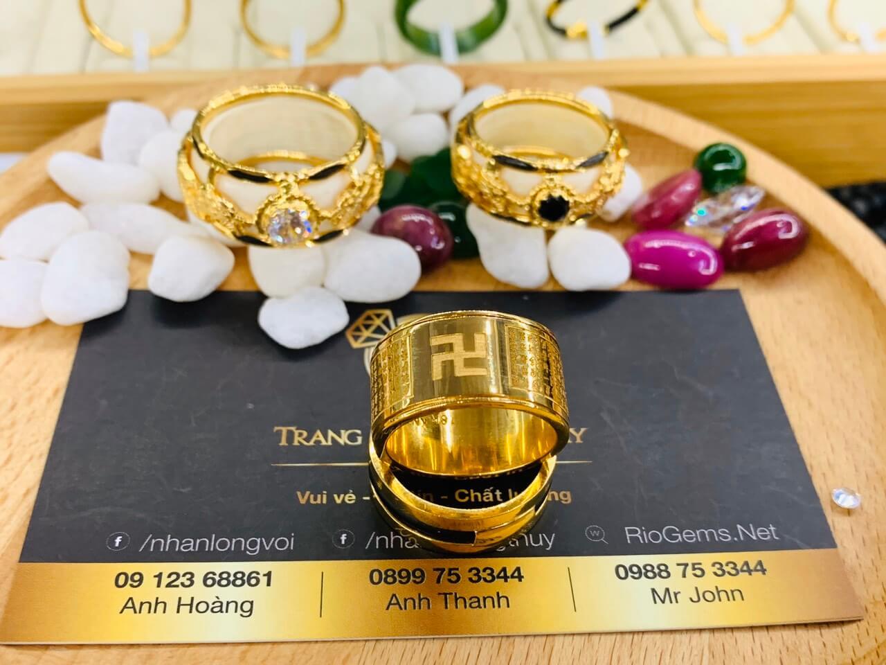 Cặp nhẫn Bát Nhã Tâm Kinh vàng 75 RIOGEMs mang lại may mắn, bình an