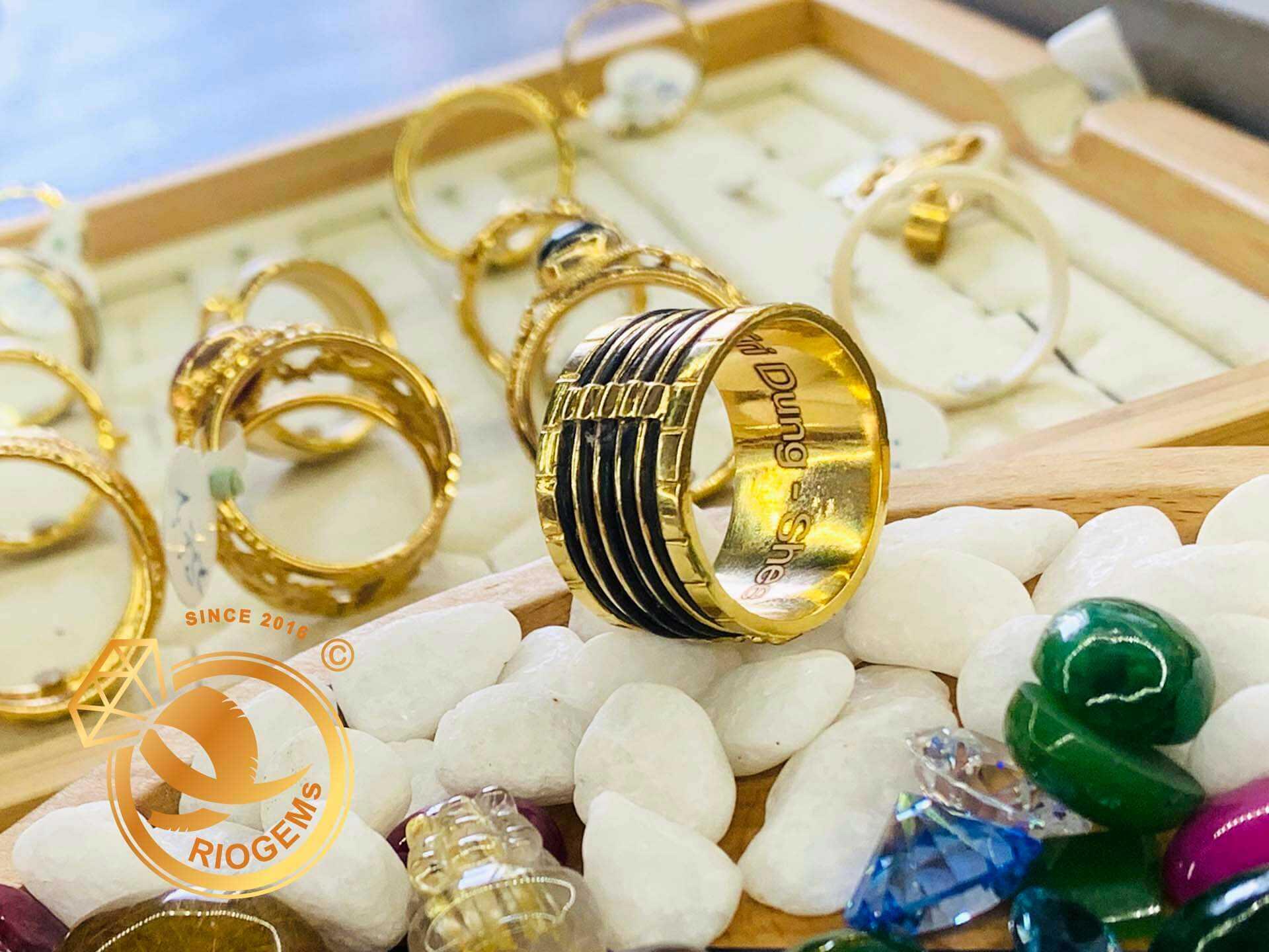 Nhẫn nam 5 sợi vàng 18K đeo ngón cái (lông FAKE) bản to