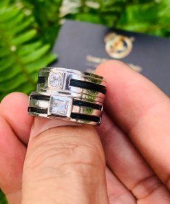 Cặp nhẫn nam vàng trắng 2 khía vàng bảng 9li chậu vuông đá tròn & vuông luồng 1 - 2 lông voi
