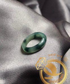Nhẫn Ngọc Cẩm Thạch điểm THÚY bản 5li - Món quà ý nghĩa dành tặng cho bạn bè, người thân
