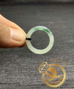 Nhẫn Ngọc Cẩm Thạch Jadeite vân đậm RIOGEMs giúp bạn tự tin, điềm tĩnh hơn khi mang theo bên mình