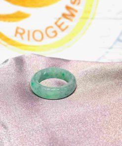 Nhẫn Ngọc Cẩm Thạch xanh lá Jadeite - Bảng bo 7li RioGems được làm đá cẩm thạch tự nhiên