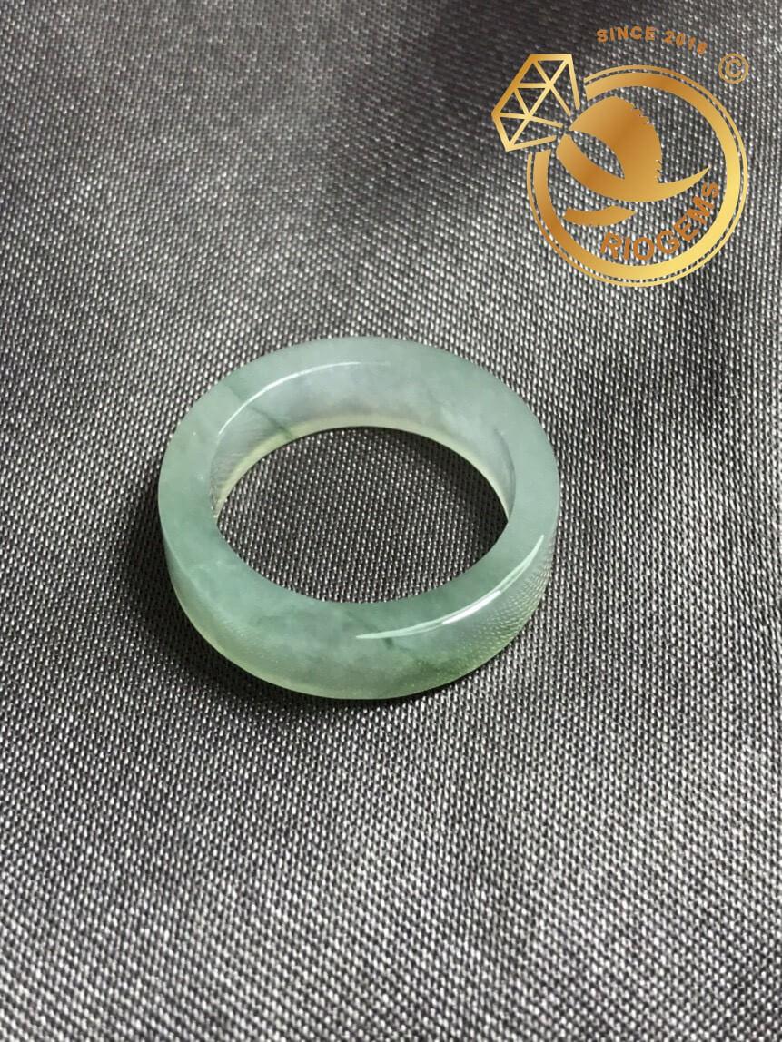 Nhẫn Ngọc Lam Cẩm Thạch Jadeite - Bảng vuông 8mm RIOGEMs tinh tế, sang trọng