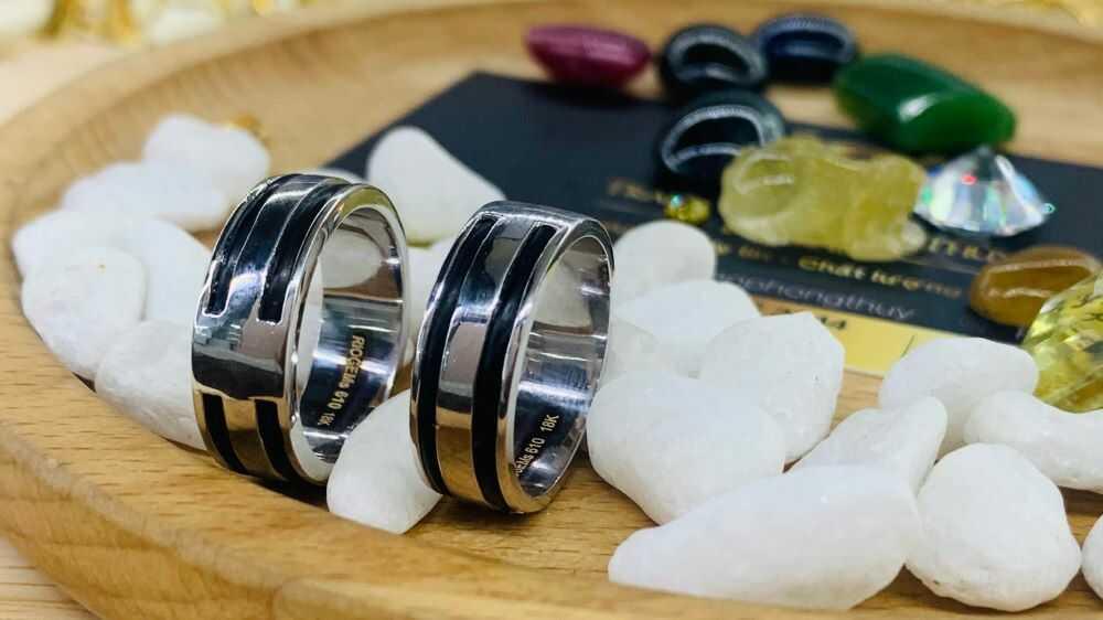 Cặp nhẫn vàng trắng 18K làm tay 2 sợi lông (lông FAKE) tinh xảo, tinh tế