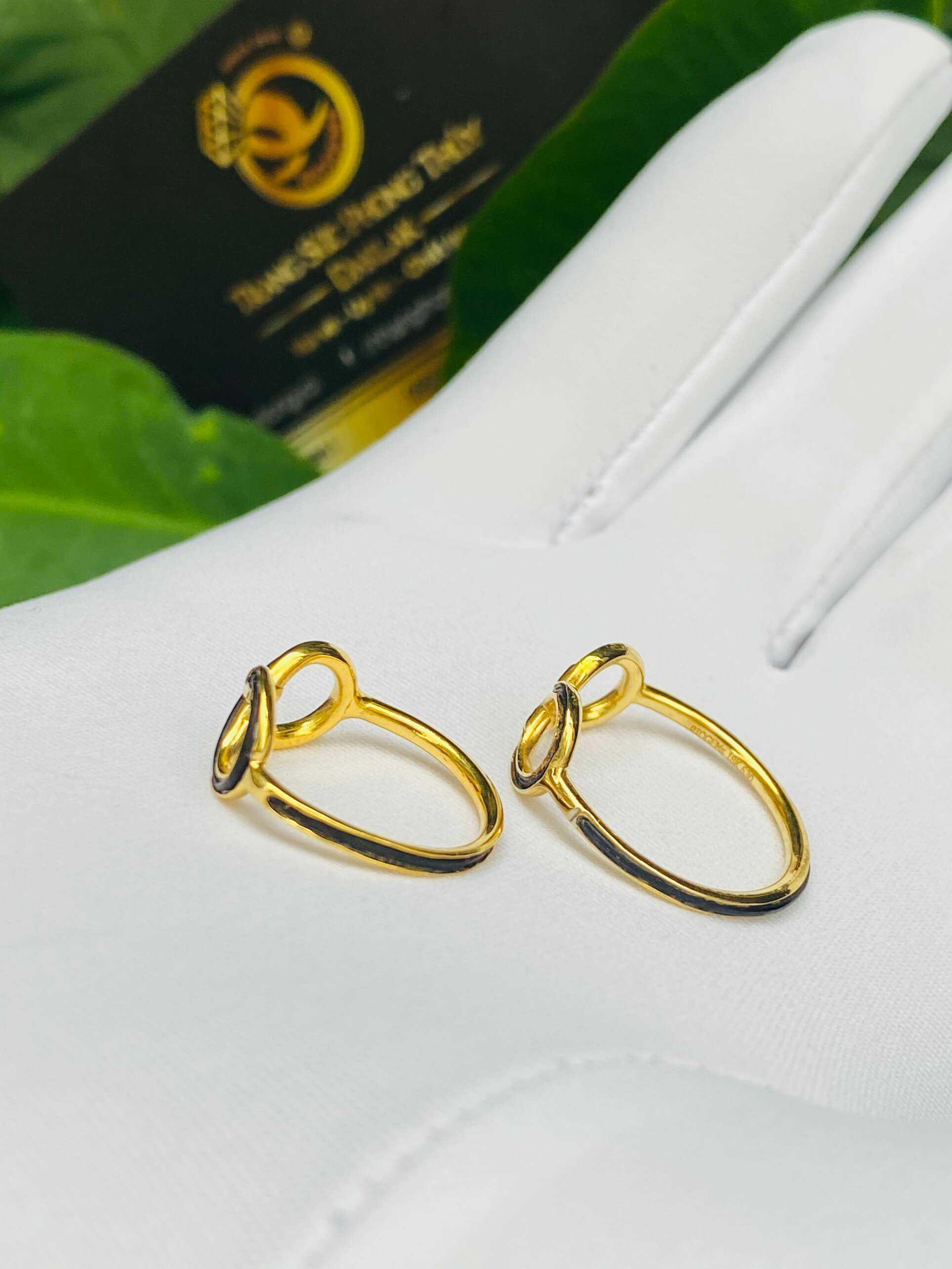 Cặp nhẫn vô cực vàng 18K cho nữ (lông FAKE) mang ý nghĩa bảo vệ