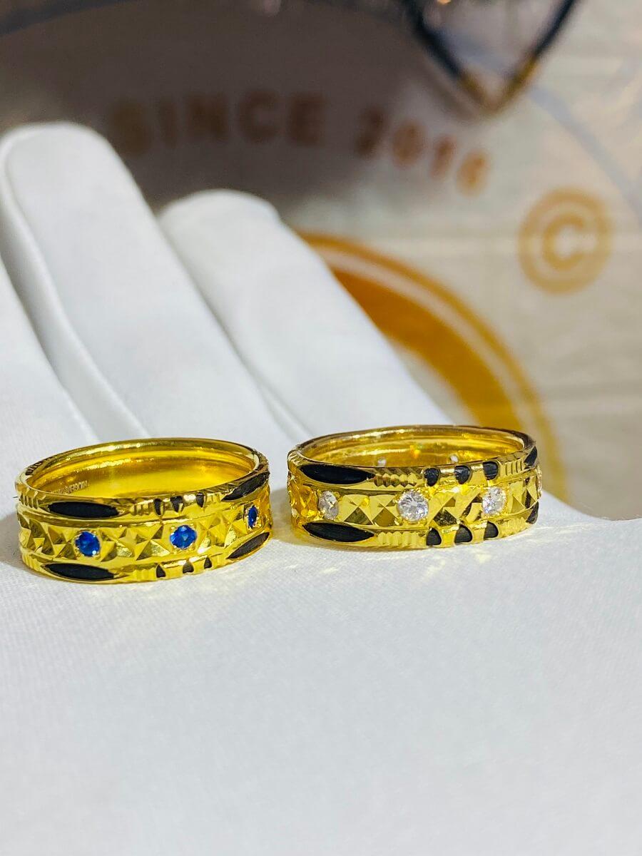 Cặp nhẫn đính đá Cz xanh dương – trắng luồng 2 sợi Lông FAKE độc đáo