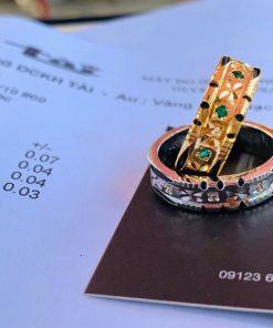 Cặp nhẫn đính 9 viên đá xanh lá Cz được nhiều cặp đôi lựa chọn