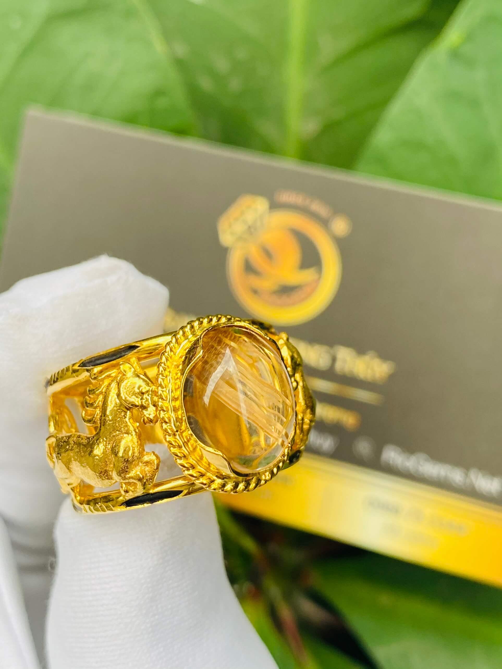 Nhẫn 2 Ngựa tranh Ngọc Thạch Anh Tóc Vàng phong thủy