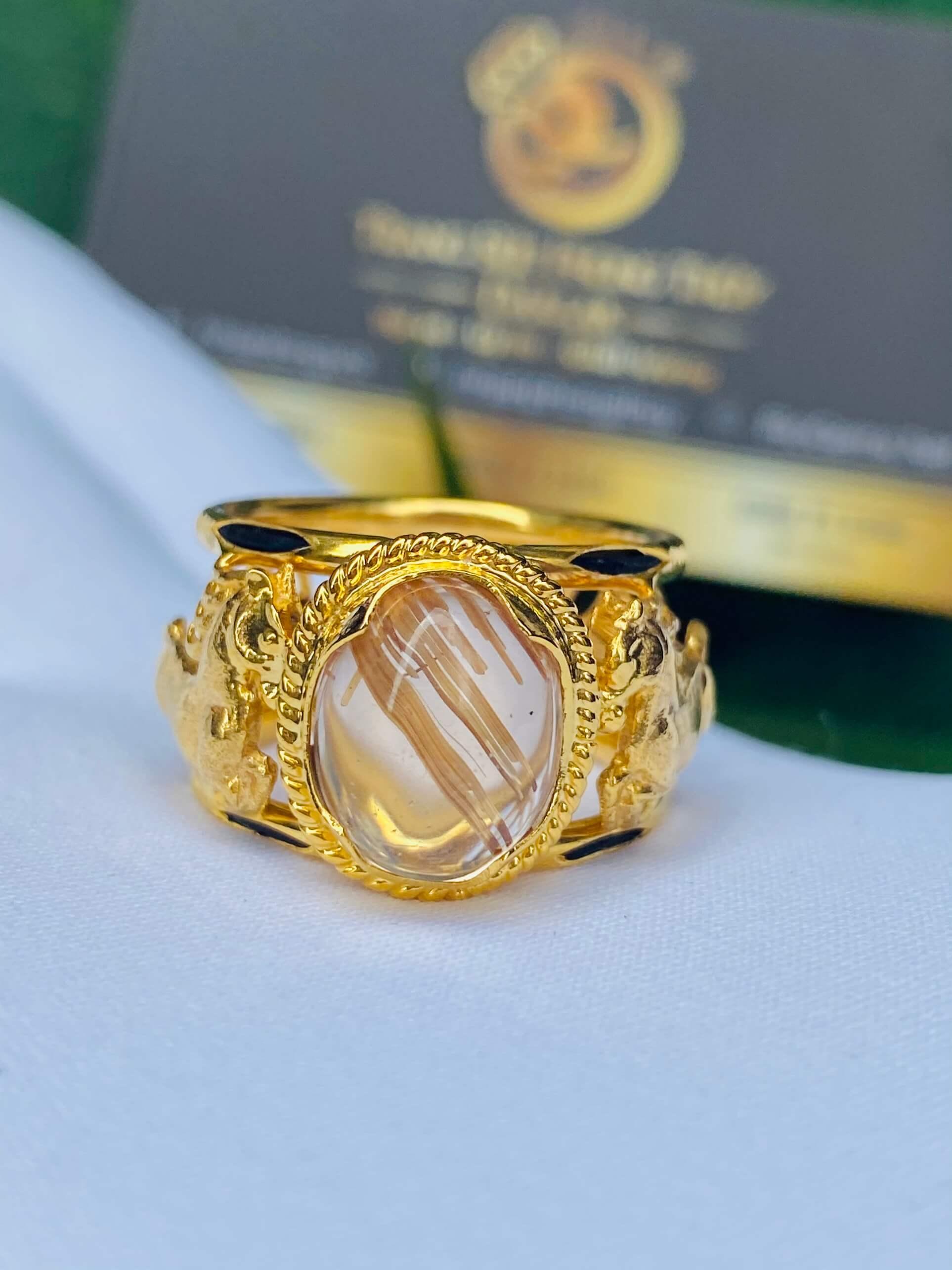 Nhẫn 2 Ngựa tranh Ngọc Thạch Anh Tóc Vàng gia công đẹp và chắc chắn