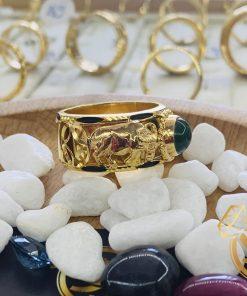 Nhẫn 2 Trâu vàng đính Ngọc Bích Canada được gia công tại Riogems