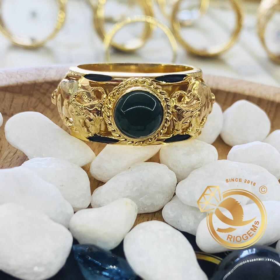 Nhẫn 2 Trâu vàng tranh Ngọc Bích Canada mang lại may mắn