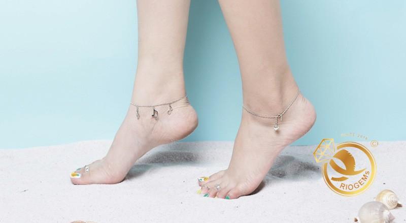 Nhẫn bạc hở đeo ngón chân phong thủy đẹp