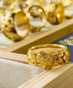 Nhẫn Bạch Ngọc 2 Gà 2 đồng tiền phong thủy