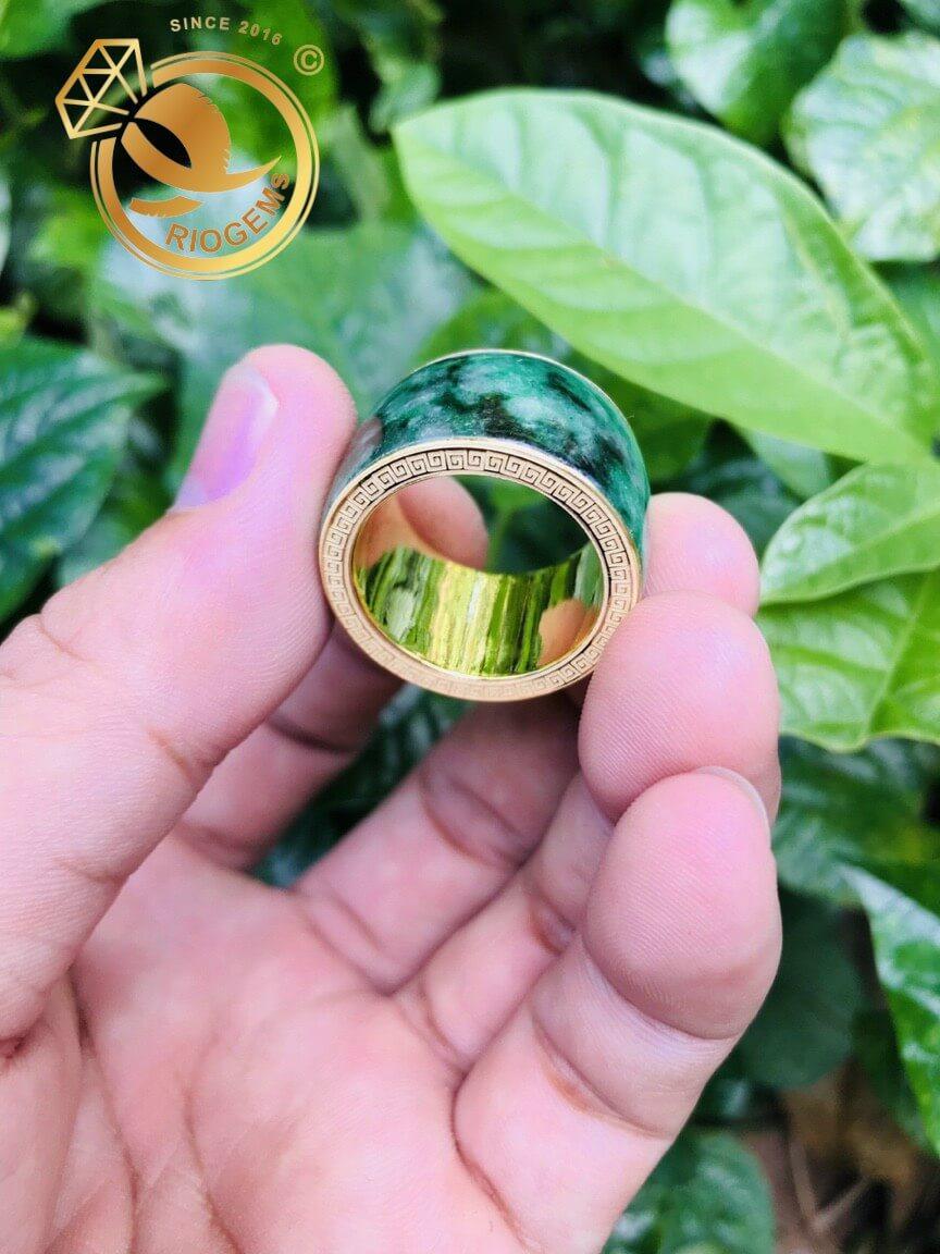Nhẫn Càn Long Cẩm Thạch phong thủy hợp mệnh mộc