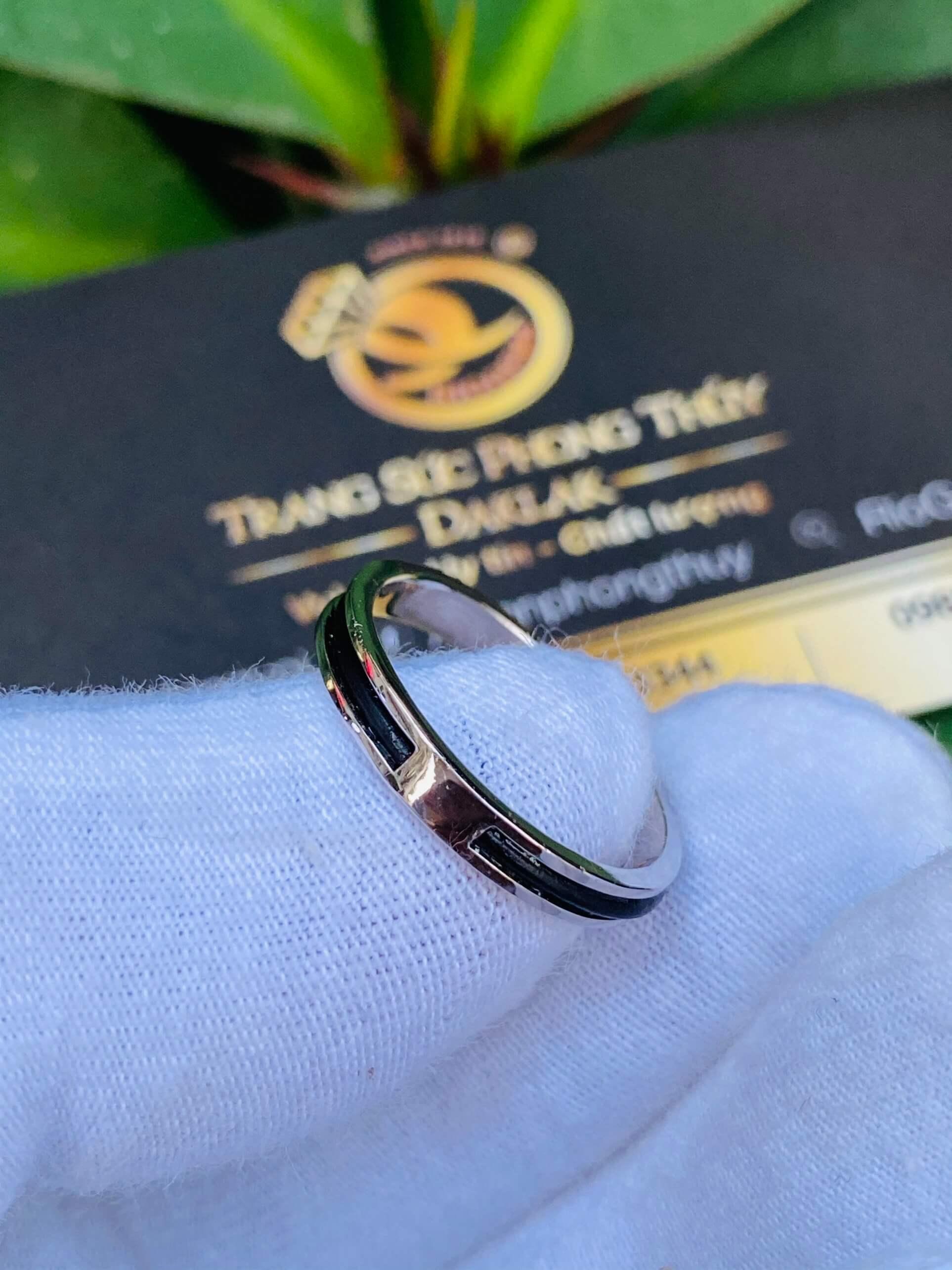 Nhẫn Lông Voi vàng trắng đẹp và sang