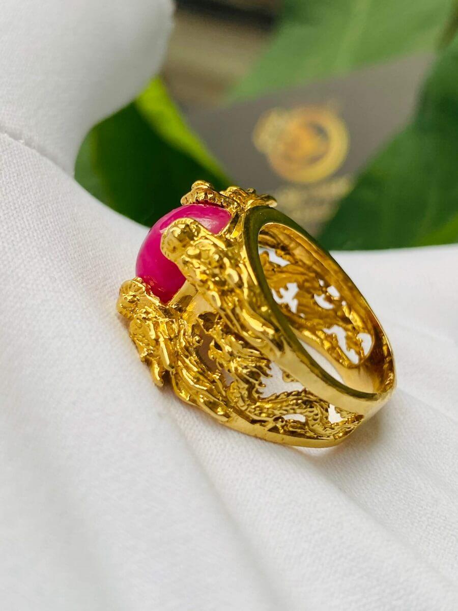 Nhẫn Lục Long vàng Mini chầu ngọc Ruby – Đeo ngón út phong thủy
