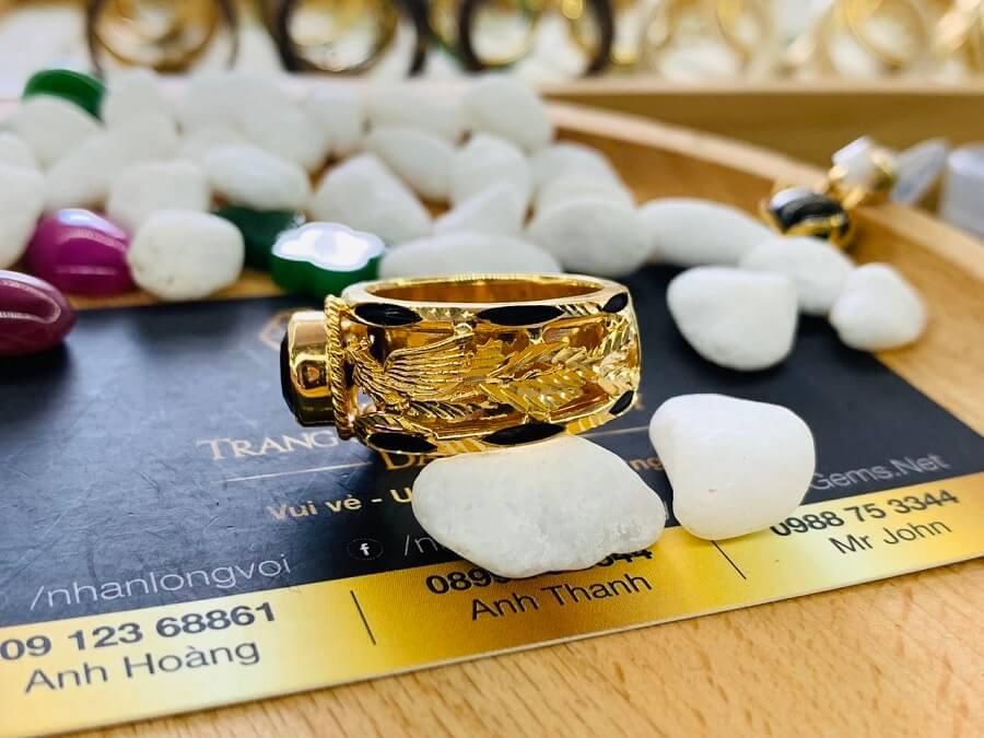 Nhẫn Rồng Phụng vàng 18K chầu ngọc Thạch Anh Tím giá trị