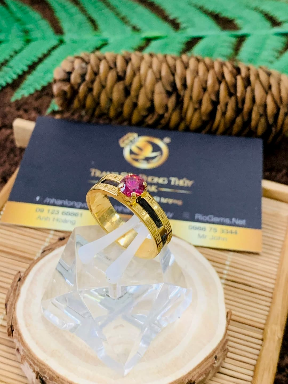 Nhẫn hoa văn vàng phong thuỷ đính Cz