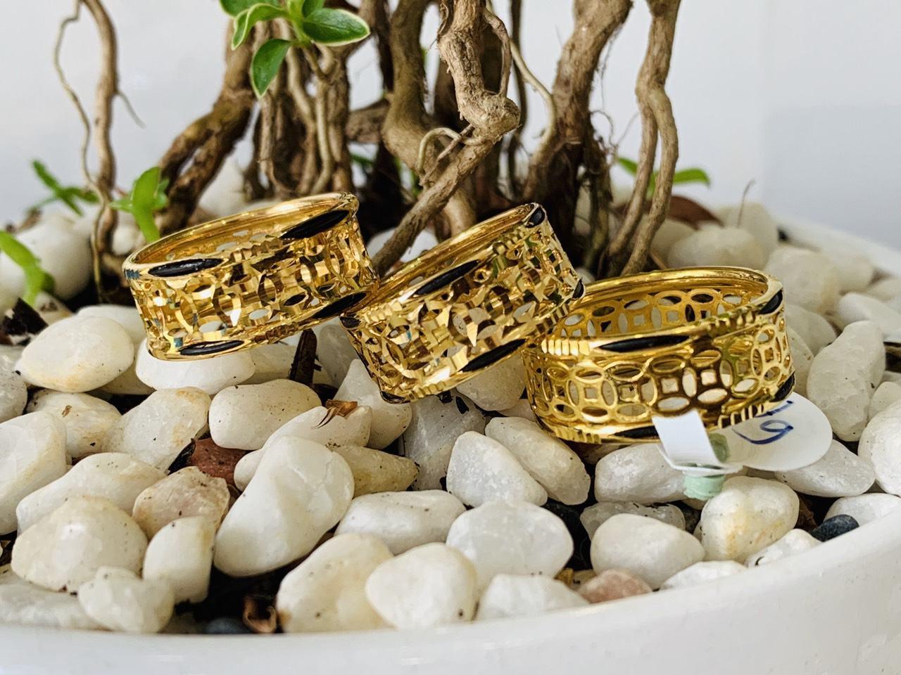 nhẫn Kim Tiền Múc Bén vàng độc đáo