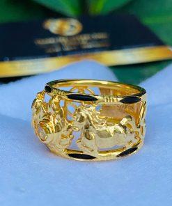 Nhẫn nam vàng 2 ngựa tranh Ngọc Citrine