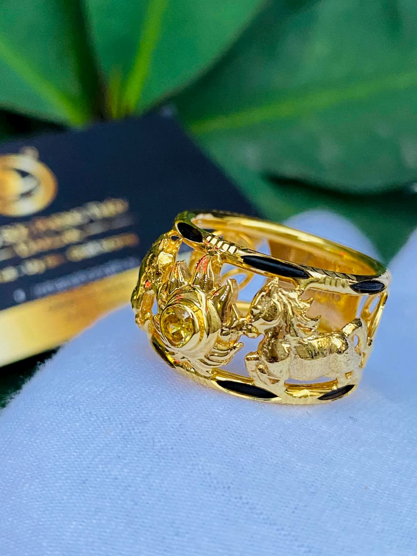 Nhẫn nam vàng 2 ngựa tranh Ngọc Citrine Vàng