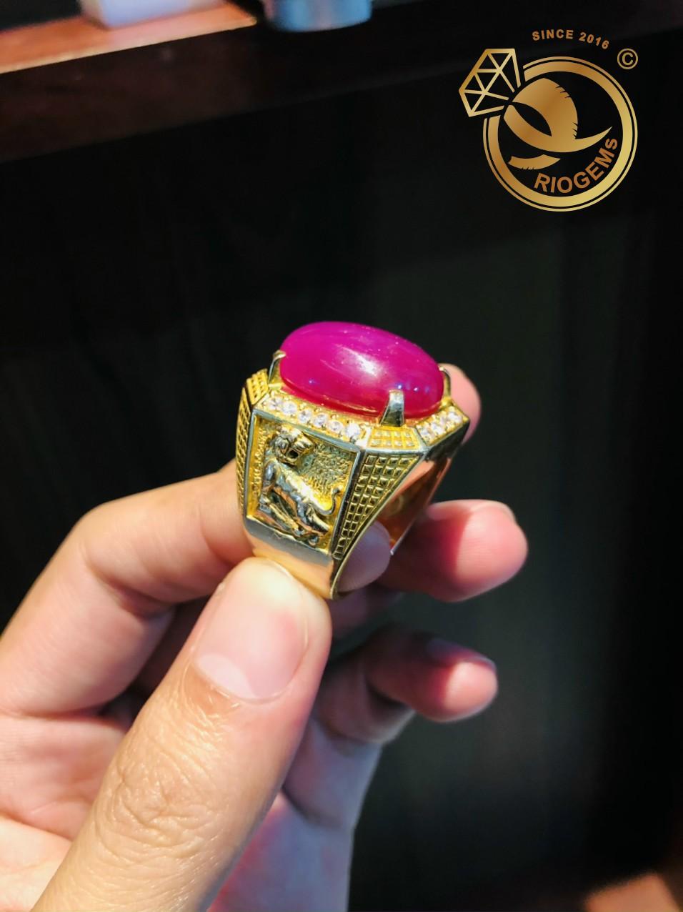 Nhan-nam-vang-dinh-Ruby-Riogems