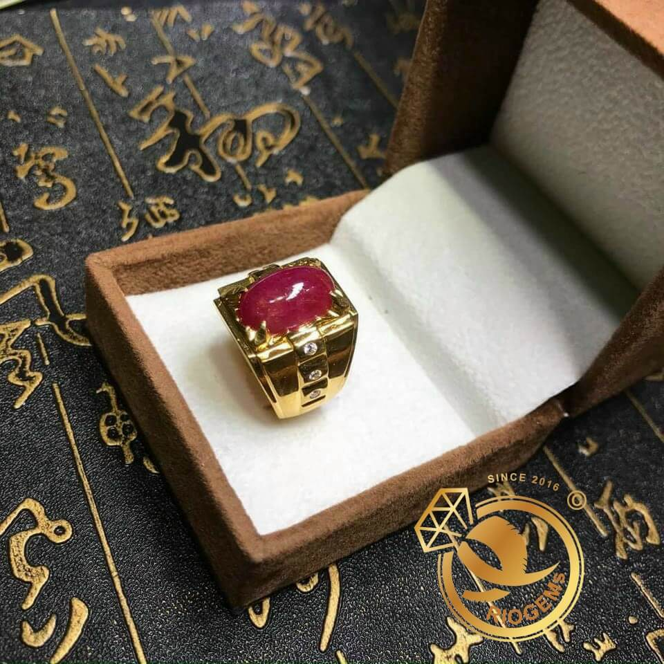 Nhẫn nam vàng đính Ruby Thái thiết kế tại Riogems