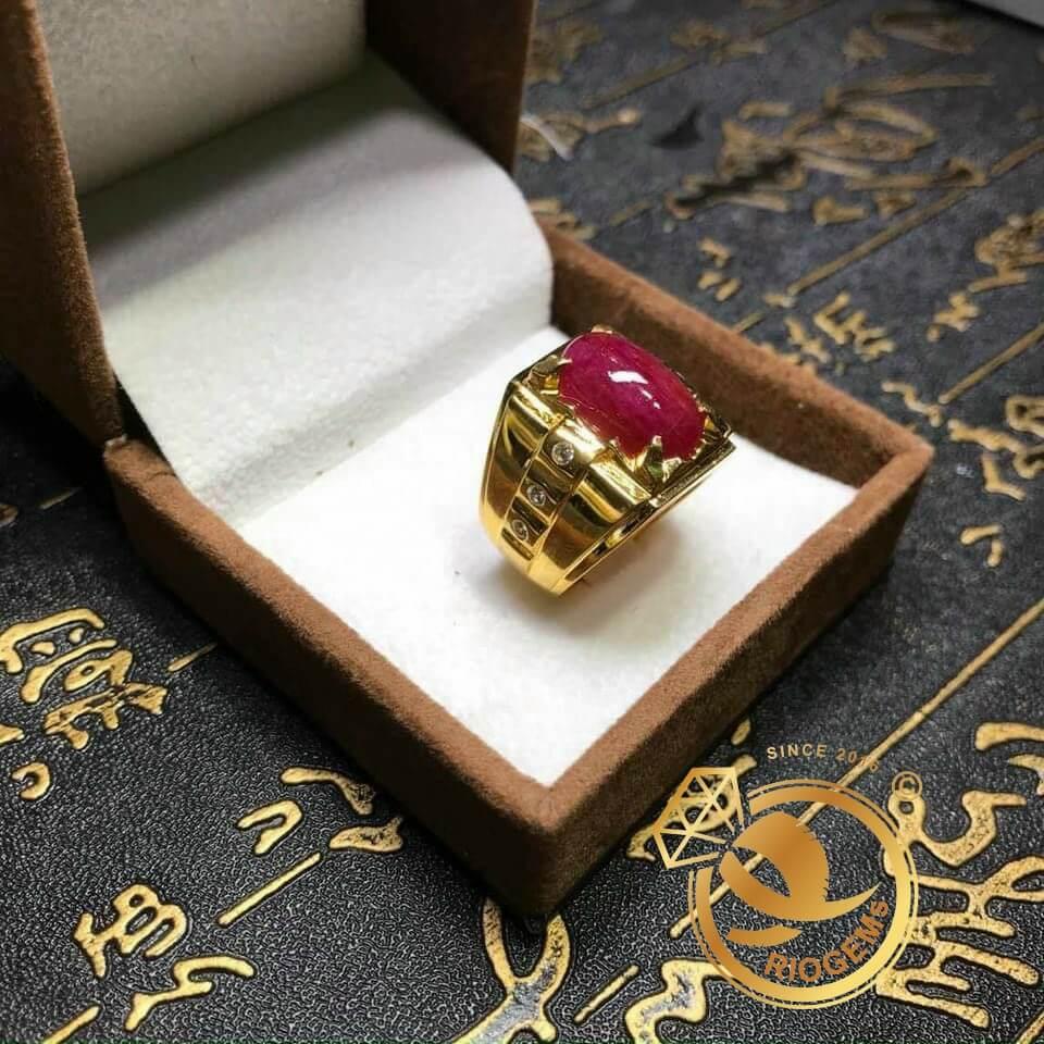 Nhẫn nam vàng đính Ruby Thái thiết kế bởi Riogems