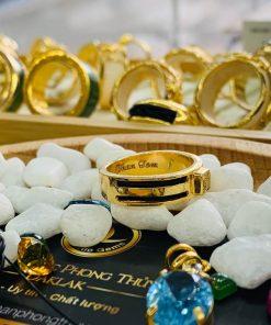 Nhẫn vàng nam mặt đá Cz vàng luồng 2 Lông Voi giá tốt