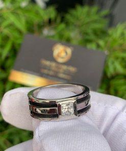 Nhẫn nam vàng trắng làm tay đính lông voi và đính đá