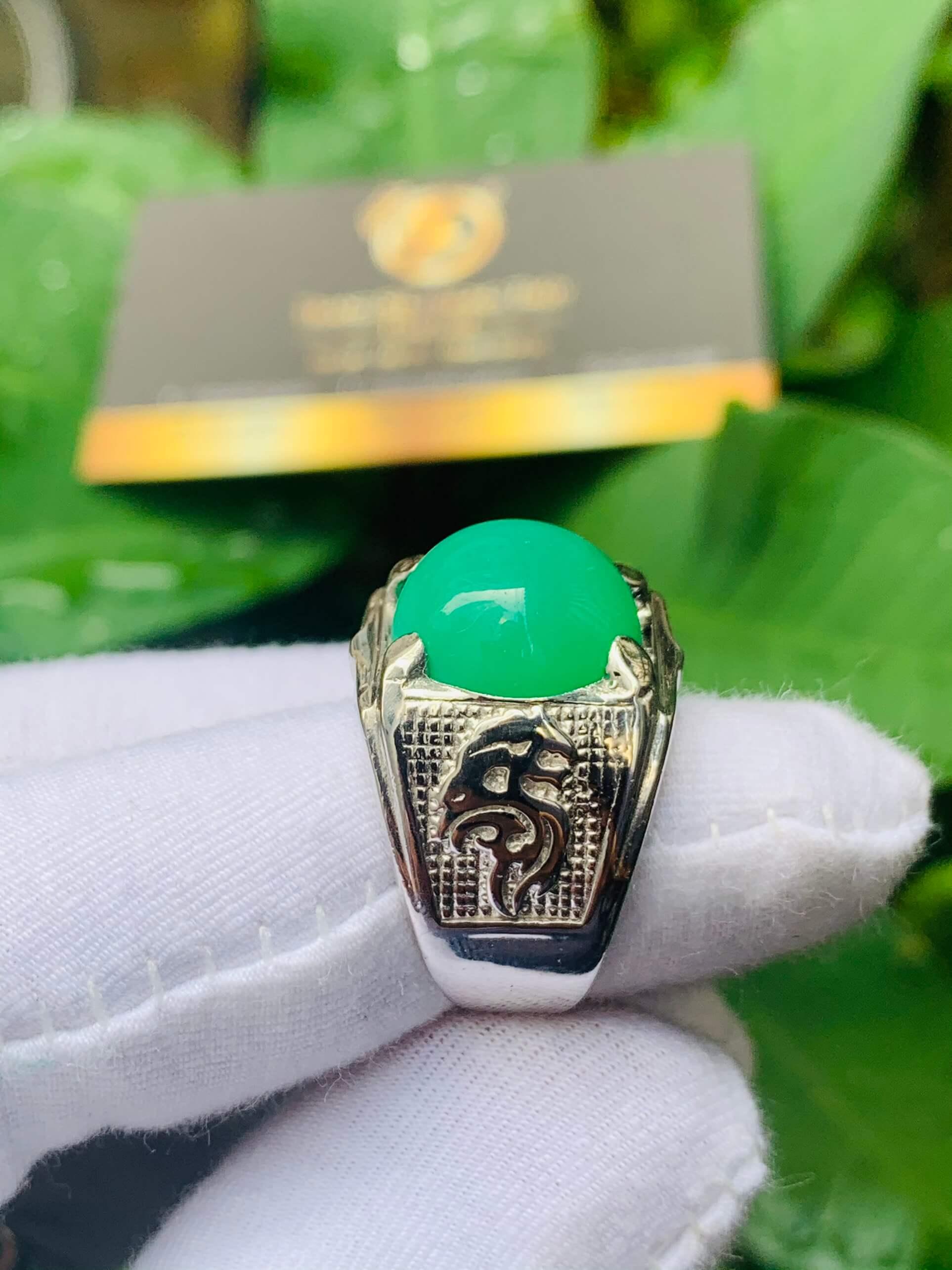 Nhẫn vàng Trắng hình Rồng đính ngọc phong thủy