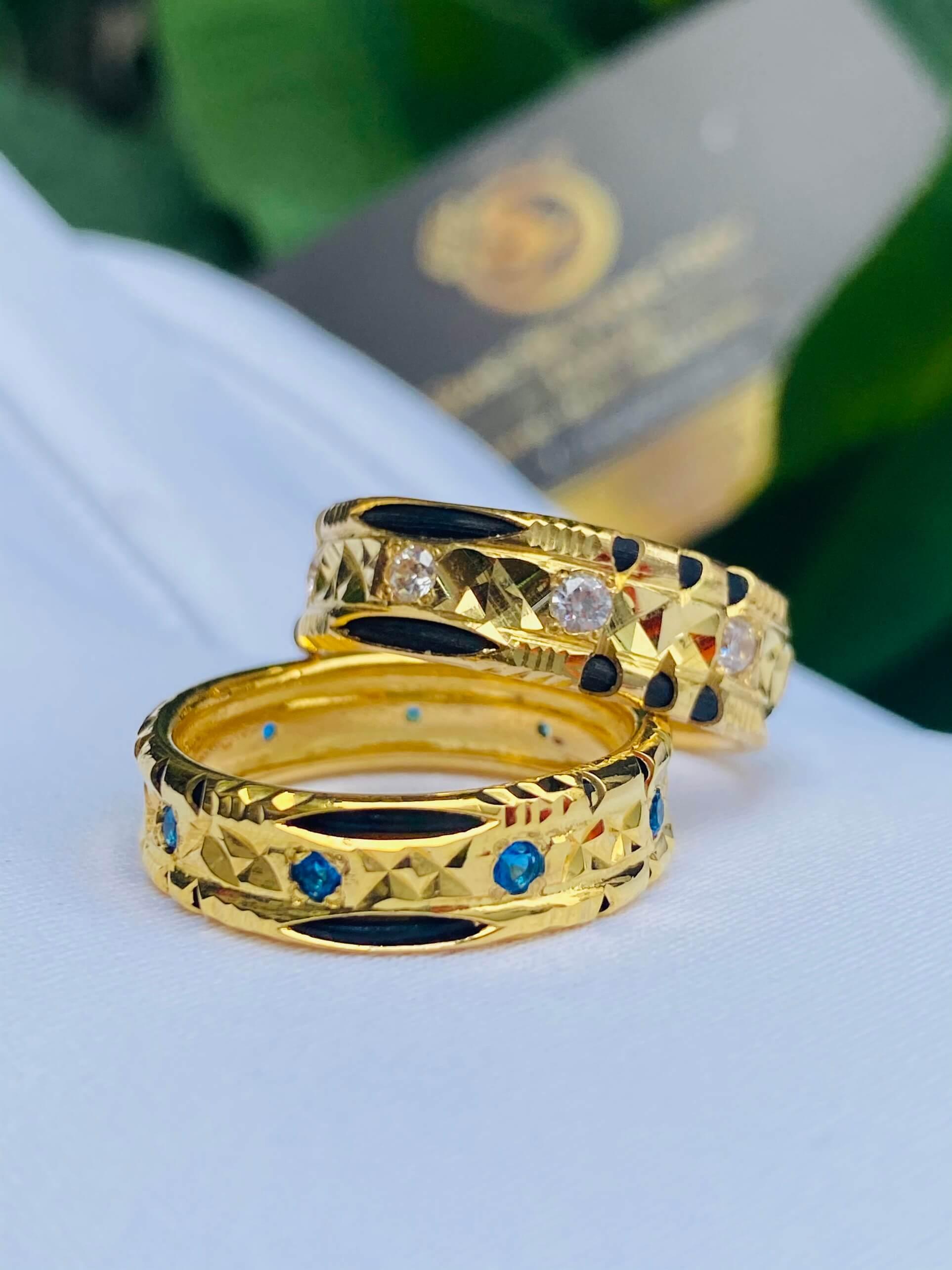 Cặp nhẫn đính đá Cz xanh dương - trắng phong thủy và hợp mệnh