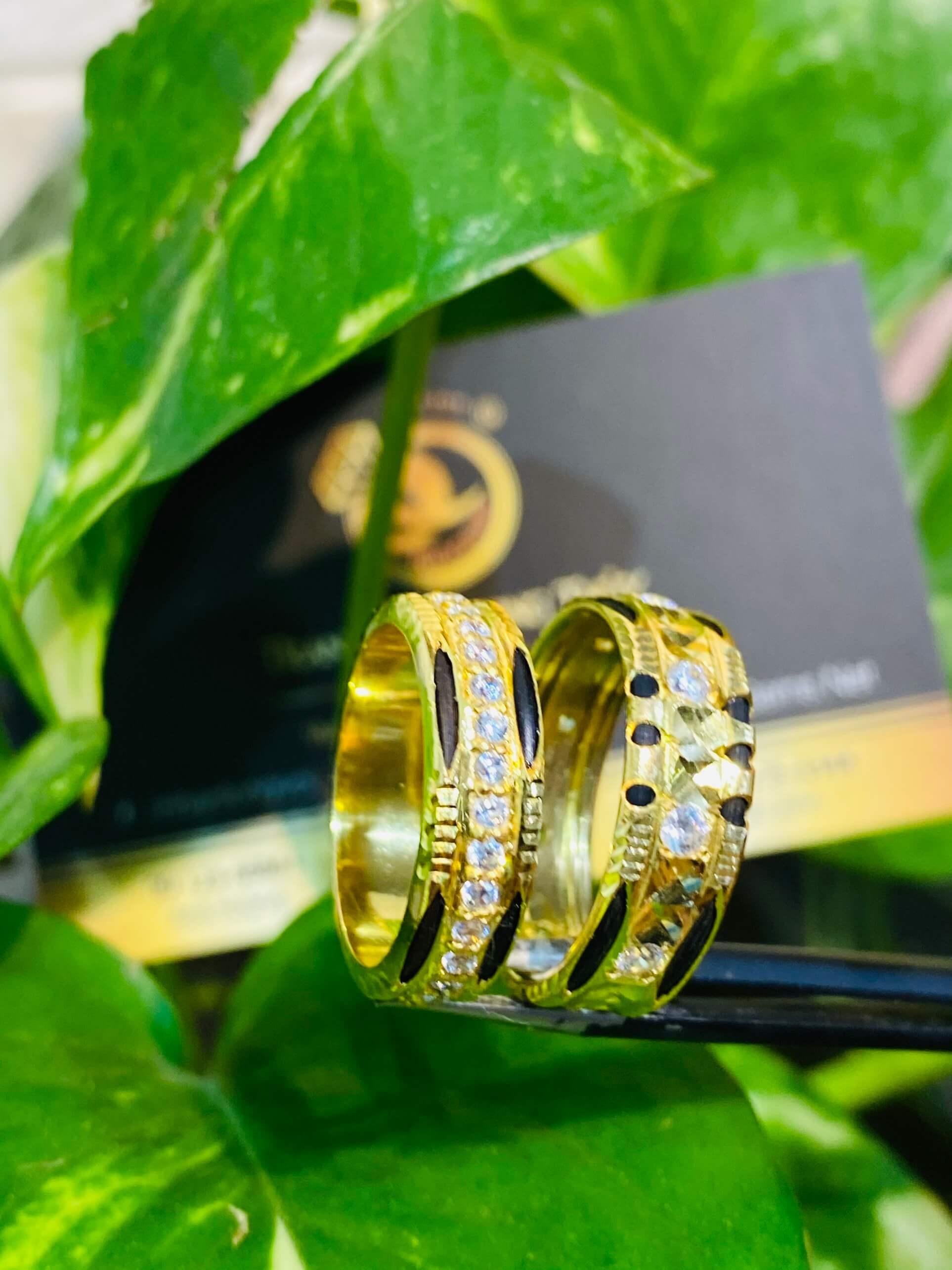Cặp nhẫn lông voi đính đá sang trọng và hợp thời trang