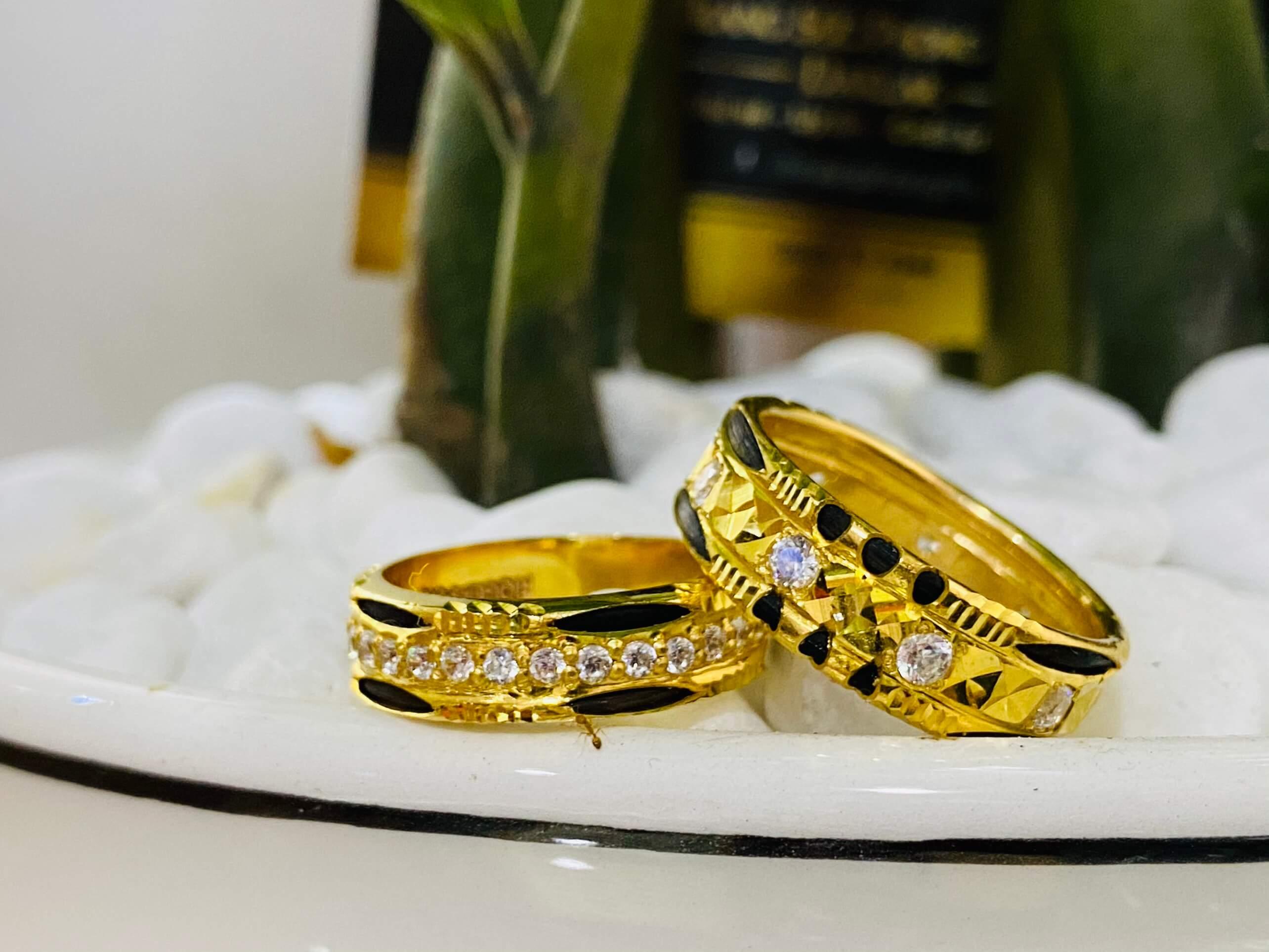 Cặp nhẫn lông voi đính đá tấm phong thủy