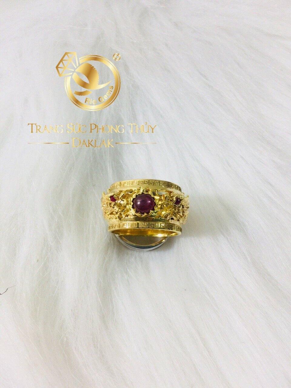 Nhẫn 2 rồng cuộn 3D vàng chầu Ngọc Ruby Yên Bái (vàng 18K, mẫu rồng 3D mới) mang lại nhiều may mắn