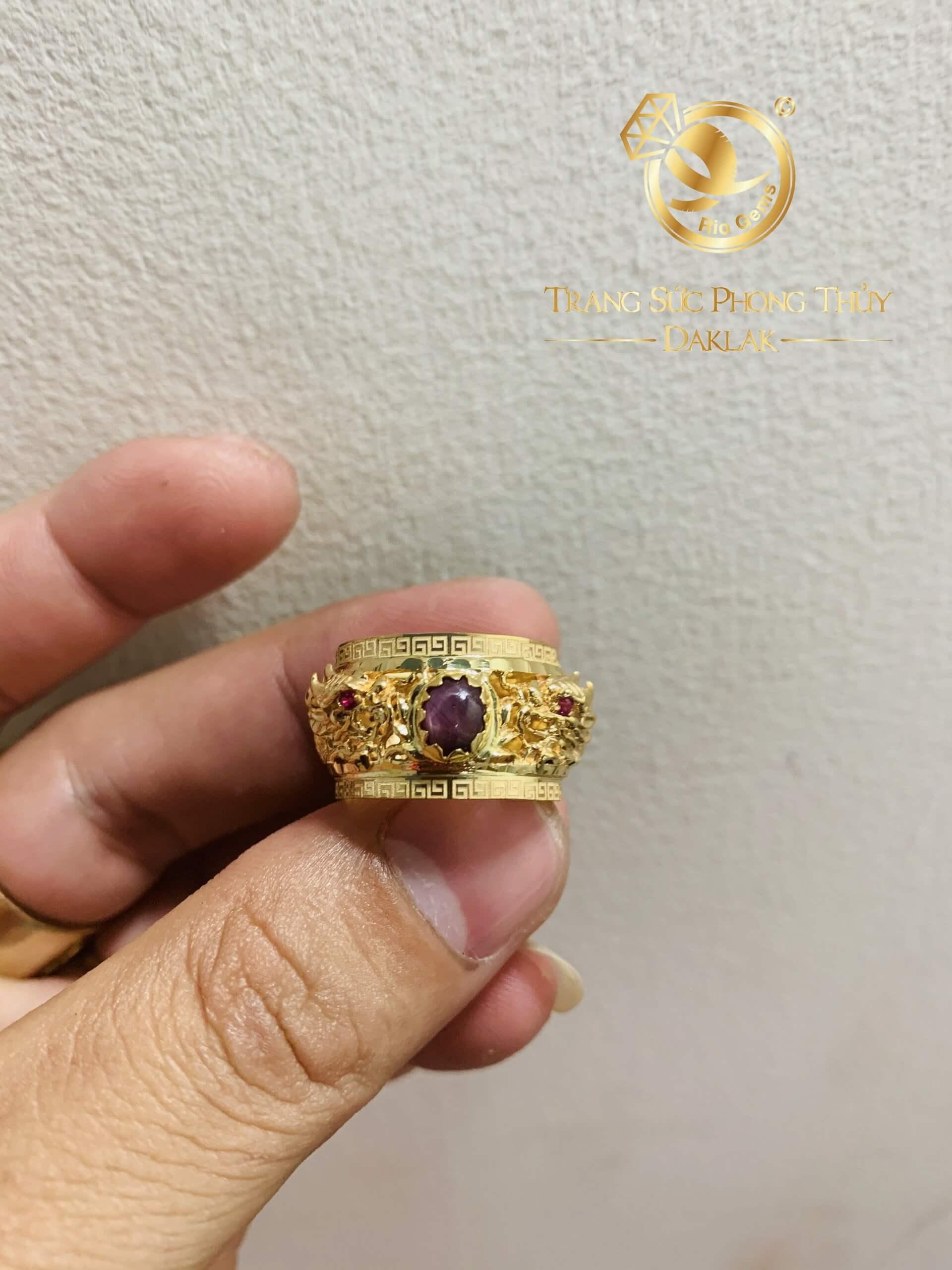 Nhẫn 2 rồng cuộn 3D vàng chầu Ngọc Ruby Yên Bái (vàng 18K, mẫu rồng 3D mới) đẹp, độc lạ